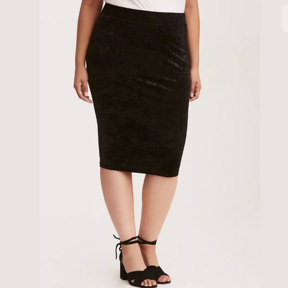 new authentic enjoy free shipping moderate price Torrid Crushed Velvet Midi Pencil Skirt Black Sz 2